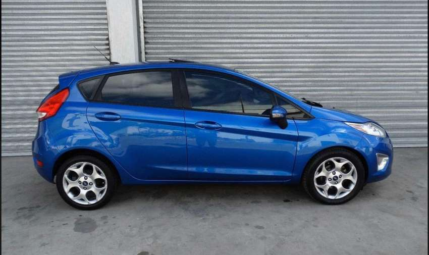 Vendo oportunidad Ford fiesta Kinetic 2013 impecable titanium. 0