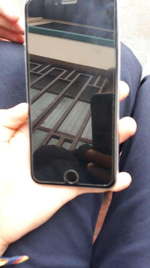 Iphone 6s plus de 64 gbs entrego con un protector y cargador 0