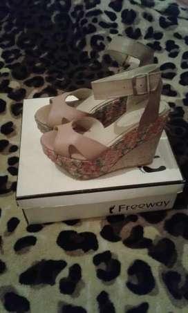Zapato dama hermoso esta