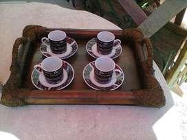 juego de tazas de café chicas y bandeja
