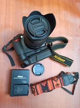Camara NIKON D3100 profesional + Grip + tarjeta SD