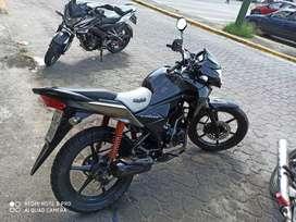 Se vende moto honda cb 110 año 2014