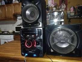 Sony génesis gtr555 excelente sonido y muy potente