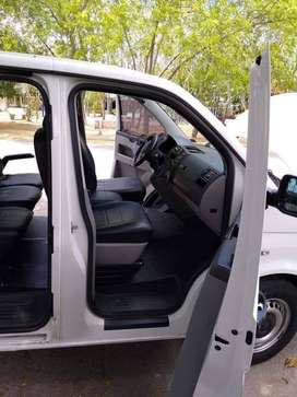 Volswagen t5 modelo 2014, cilleteria de lujo, reclinable, afiliada a servicios especiales