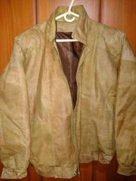 Vendo chaqueta cuero cafe