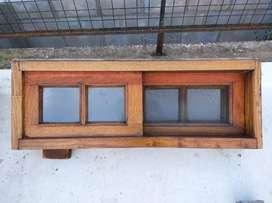 Vendo ventana de cedro tipo bariloche con mosquitero