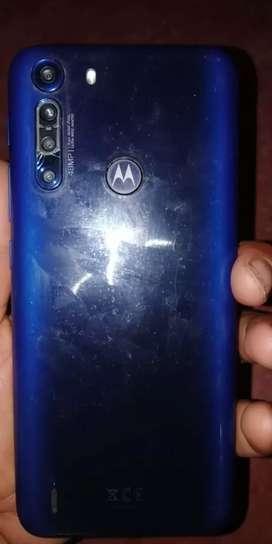 No es un Motorola one zoom de 128 GB  de Android de 9 pero tiene comprar la batería único dueño