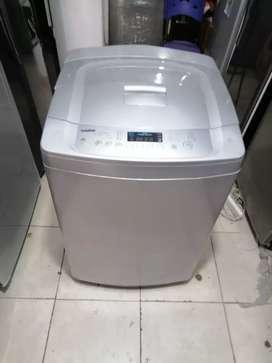 Lavadora 32 libras, digital, turbo drum, buen funcionamiento, incluye el transporte a Medellín