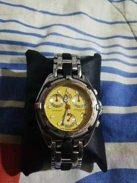 Reloj ESQ suizo cronogafo tablero amarillo en acero y neofreno