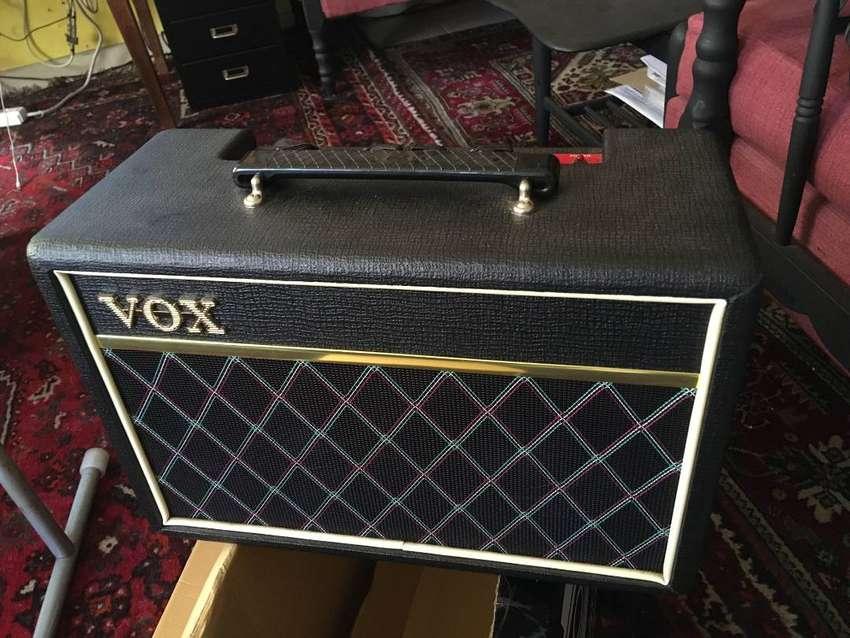 Amplificador De Bajo Vox Pathfinder 10 - Como Nuevo