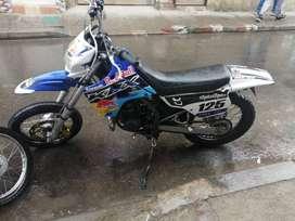 Kawasaki kdx 125  modelo