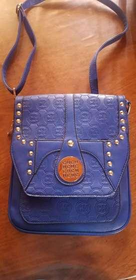 Cartera azul CH