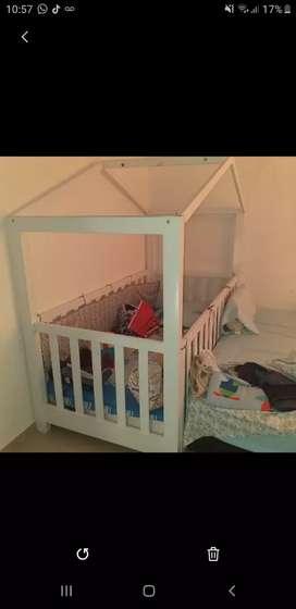 Cama cuna para bebé excelente estado 1 año de uso