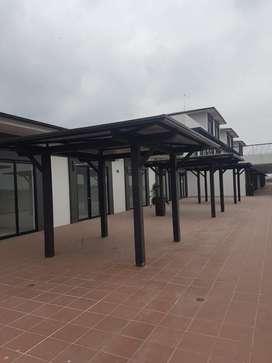 Venta o Alquiler de Islas Comerciales en Plaza Proyecta, cerca del CC El Dorado