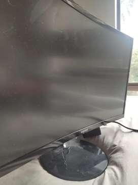 Monitor curvo samsung mod 2020 - dañado