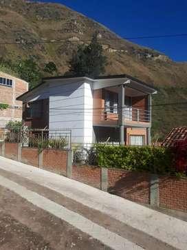 CASA CAMPESTRE CON PISCINA Y JACUZZI Sector el Capuli - Pilcuan