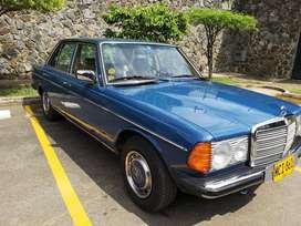 """Mercedes Benz 1982, modelo 250, categoría """"Clásico"""" . Unica dueña perfecto estado. 100% original. 146,000kms full equipo"""