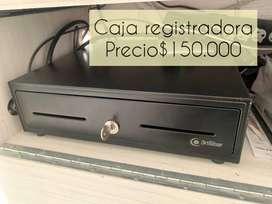 caja registradora con llaves