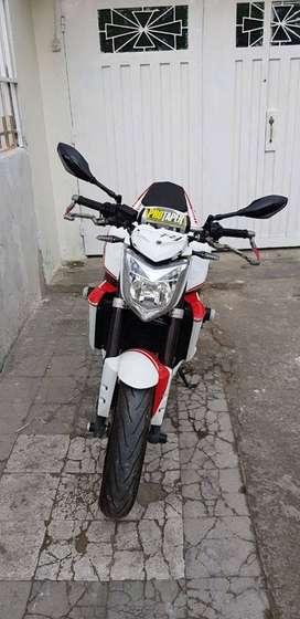 motocicleta FZ1 Naked