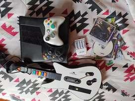 Xbox 360 | Guitarra | 2 controles | baterías recargables | 15 juegos segunda mano  Ciudad Cooperativa La Libertad