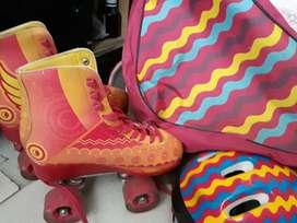Vendo patines casi nuevos de soy luna de cuatro ruedas.