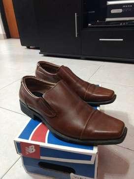 Zapatos de Vestir 42