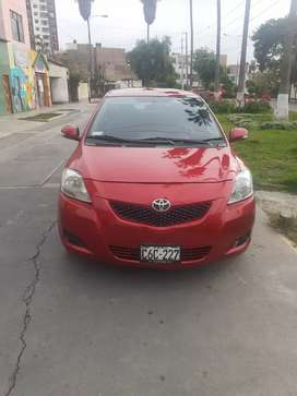 VENDO YARIS FULL OCASION 8500USD