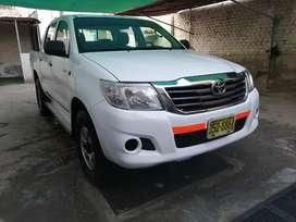 Toyota Hilux 4x2 año 2012