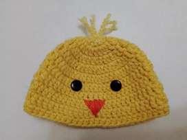 Gorros para bebé en crochet.
