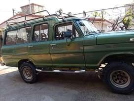 Ford unica en el pais! Carrozada, 4x4, gnc, 13 asientos, o furgon vidriada