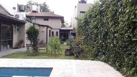 Chalet Gonnet entre caminos , excelente propiedad en venta en zona residencial