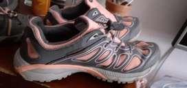 Vendo zapatillas deportivas dama