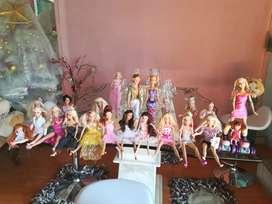 Vendo 20 muñecas Barbie americanas a 30 cada una y su colección