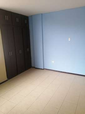 Departamento en arriendo en Latacunga sector Miraflores alto a 2 cuadras de la espe