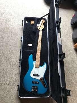 Bajo Fender jazz bass Mim modificado en perfecto estado