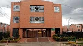 MADRID Casa Conjunto cerrado,  3 Alcobas, 2 Baños,