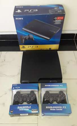 Ps3 slim 500 gb 2 controles