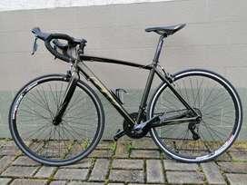 Bicicleta de ruta GW R700