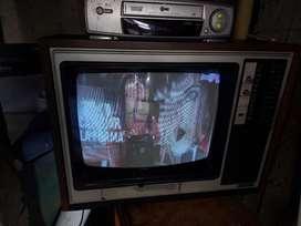 Tv antiguo hitachi Mod CT668E
