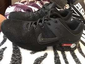 Nike negros originales