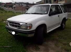 Vendo auto Ford Explorer por motivo de viaje