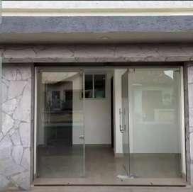 Consultorio Médico u oficina diagonal al hospital del Iess