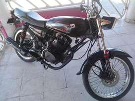 Vendo moto akt al 125 modelo 2009