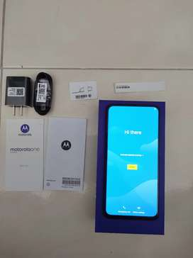 Se vende Motorola one hyper- excelente estado