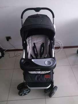 Se vende coche para bebe