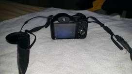 Se Vende Cámara digital Fujifilm FinePix S2950 14 MP con lente zoom gran angular Fujinon 18x y pantalla LCD de 3 pulgada