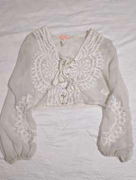 Blusa con bordados