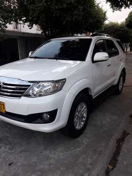 toyota fortuner impecable sincronica 4x2 con 24 mil km
