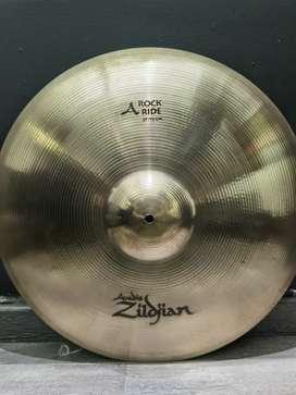 "Platillo Rock Ride Zildjian Avedis 21"""