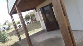 OPORTUNIDAD ÚNICA Casa-Terreno 10x30-Materiales